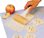 World Cuisine 47025-10 Lattice Dough Cutter, 4.5-in, Plastic