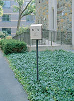 Rubbermaid FGSSIG Smokers' Station Wall Mount In Ground Pole