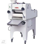"Bakemax BMMDM01 Mini Dough Moulder w/ 3000-Pieces per Hour Capacity, 13"" Belt Width"