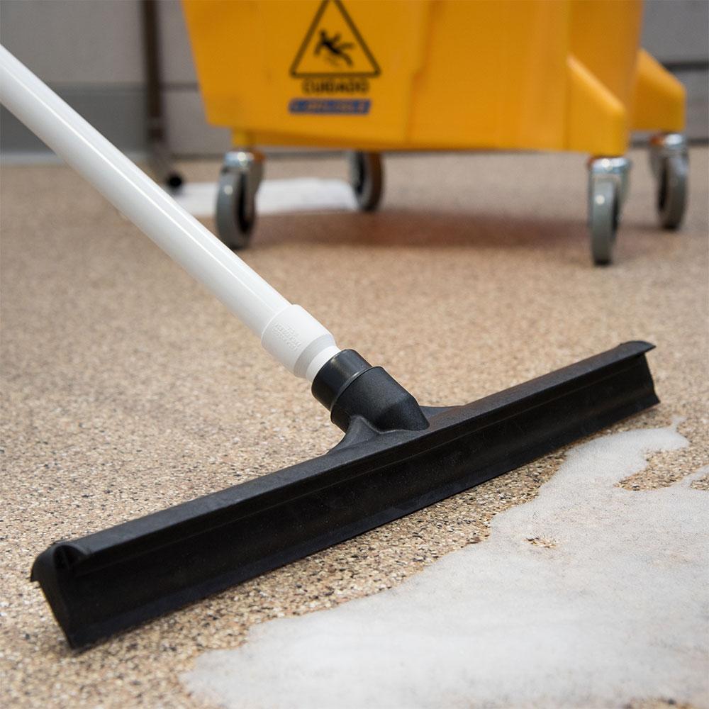 "Carlisle 3656703 20"" Floor Squeegee Head - Straight, Foam Rubber Blade, Black"