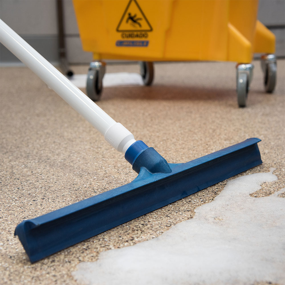 "Carlisle 3656714 20"" Floor Squeegee Head - Straight, Foam Rubber Blade, Blue"
