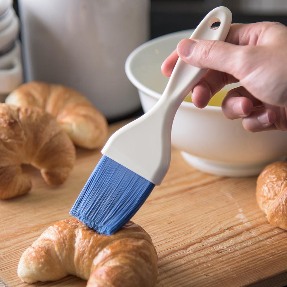 "Carlisle 4039114 2"" Pastry Brush - Nylon/Plastic, Blue"
