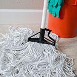 "Carlisle 4166402 60"" Quik-Release™ Mop Handle w/ Plastic Head, Fiberglass, White"