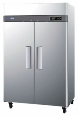 """Turbo Air M3F47-2 51.75"""" Two Section Reach-In Freezer, (2) Solid Doors, 115v"""