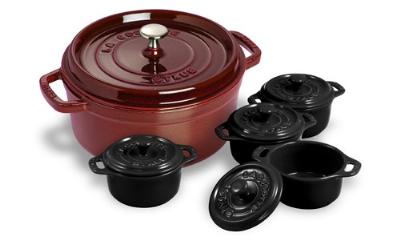 Staub 1130087 4-Qt Round Dutch Oven w/ 4-Mini Cocottes, Grenadine