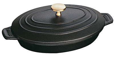Staub 1332325 9x6.63-in Oval Hot Plate w/ 1-qt Capacity, Lid & Enameled Cast Iron, Black Matte