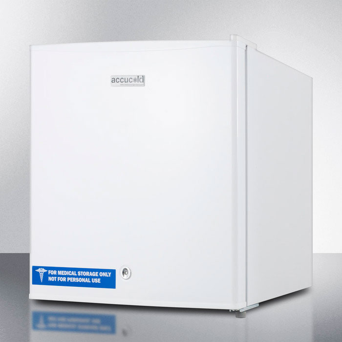 Summit Refrigeration FFAR24L 18-in Compact Refrigerator w/ Auto Defrost, Lock & Reversible Door