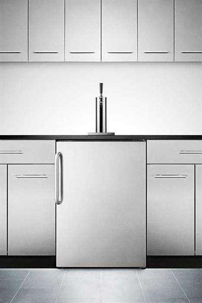 Summit Refrigeration SBC490BI7SSTB Beer Dispenser Converts Built-In CO2 Tank/Regulator SS Door 1 Keg Restaurant Supply