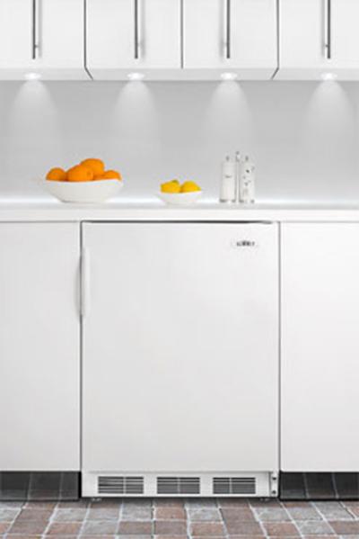 Summit Refrigeration FF7BI 5.5-cu ft Undercounter Refrigerator w/ (1) Section & (1) Door, 115v