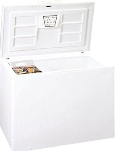 "Summit CFC183QW 65"" Wide 21.7-cu ft Commercial Chest Freezer, 115v"