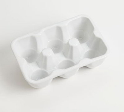 American Metalcraft PEHCT6 6-Slot Rectangular Egg Carton, Porcelain, White