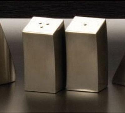 American Metalcraft MDX44 Salt & Pepper Shaker Set, 2-1/4 H x 1 W, Angled, 18/8 Stainless