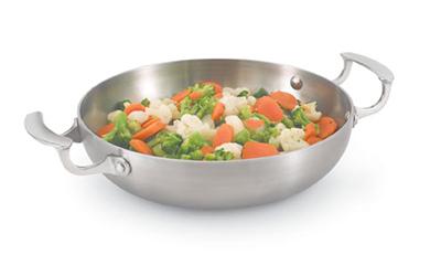 """Vollrath 49424 10"""" French Omelet Pan - Aluminum Bottom, 18-ga Stainless"""