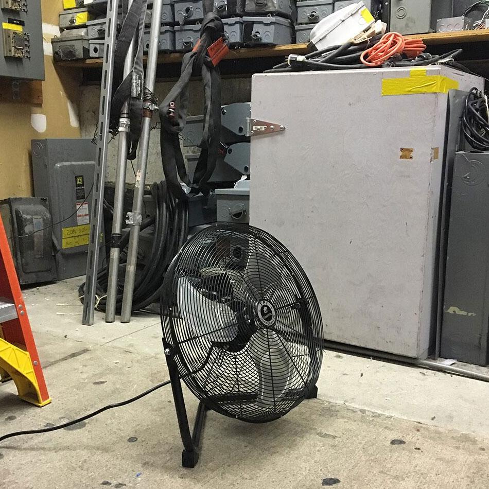 """TPI CF 20 20"""" Floor Model Fan w/ 3-Speed Settings"""