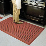 "Notrax 544S0035RD Comfort Zone Grease-Resistant Floor Mat, 3 x 5 ft, 5/8"" Thick, Red"
