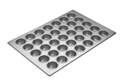 Focus 905575 Cupcake Pan Holds (35) 2-3/4-in