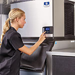 "Manitowoc Ice IY-0324A 22"" Indigo™ Cube Ice Machine Head - 350-lb/24-hr, Air Cooled, 115v"