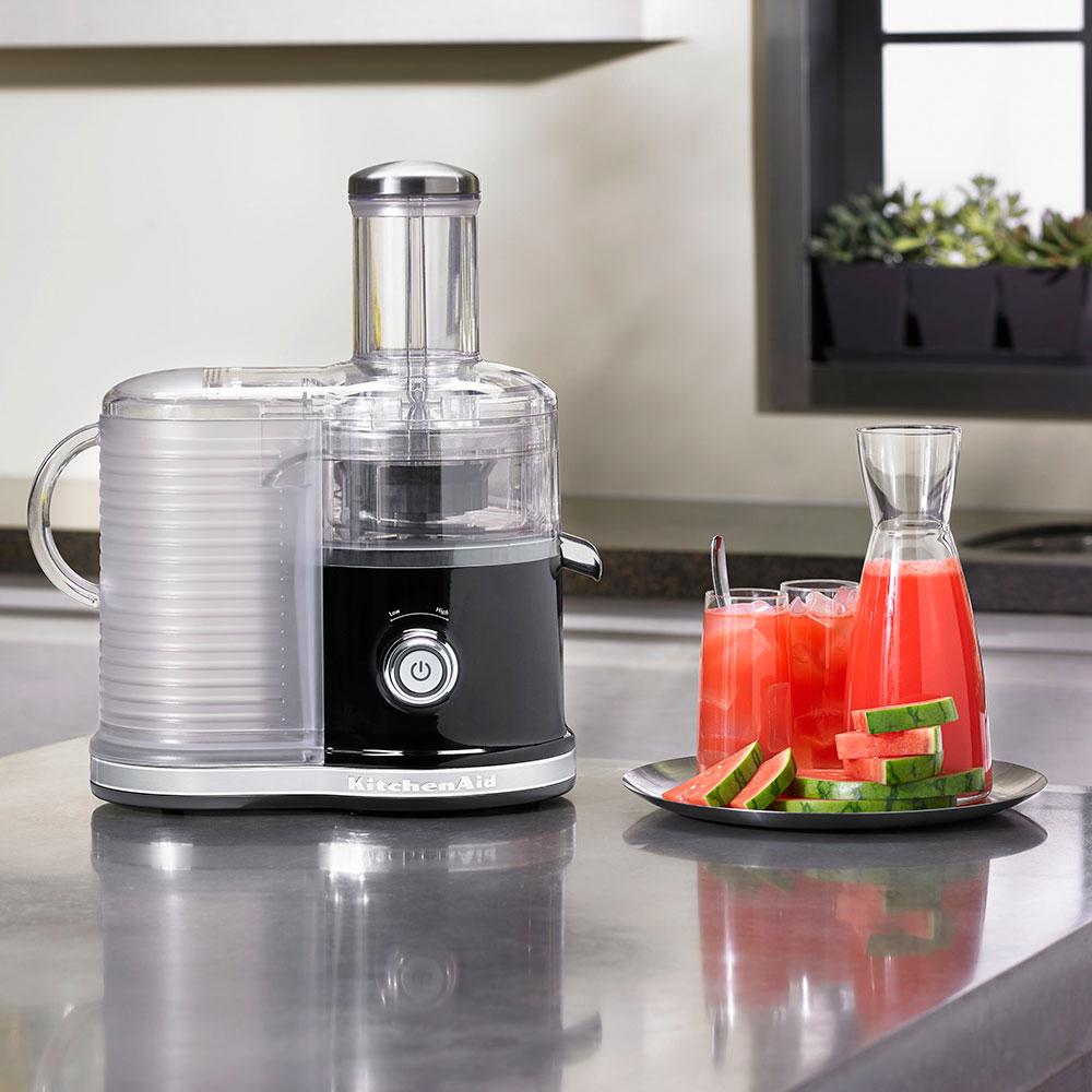 KitchenAid KVJ0333OB Easy Clean Juicer w/ BPA-Free Juice Pitcher, Onyx Black