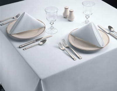 Snap Drape TSIG90ROWH Signature 90-in Round Overlocked Tablecloth, White, Spun Polyester