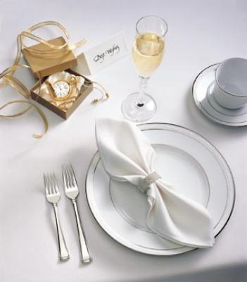 "Snap Drape TVIS5272OWH VISA Plus 52"" x 72"" Overlocked Tablecloth, White, Polyester"