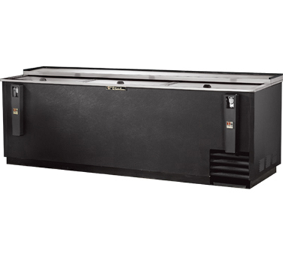"True TD-95-38 95.38"" Forced Air 900-Capacity Bottle Cooler - Lid Locks, 115v"
